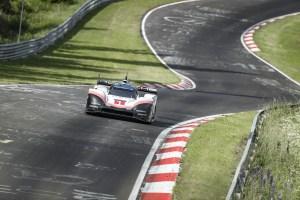 """Porsche destroza récord de vuelta en el """"Infierno Verde"""" con su 919 Hybrid Evo (FOTOS + VIDEO)"""