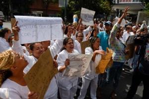 Al menos 25 centros de salud del Distrito Capital acataron el paro indefinido de enfermeras