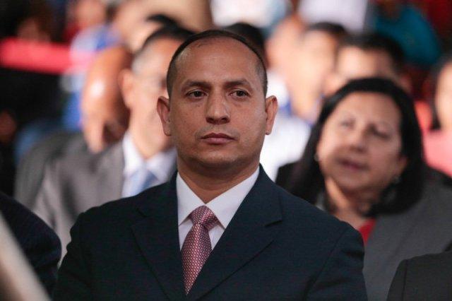 Resultado de imagen para presidente de Conviasa, Ramón Velásquez