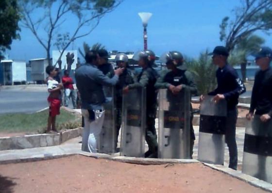 Foto: Alcalde Rodolfo Vicent asegura le dieron un golpe de Estado / @DeudelisOviedo
