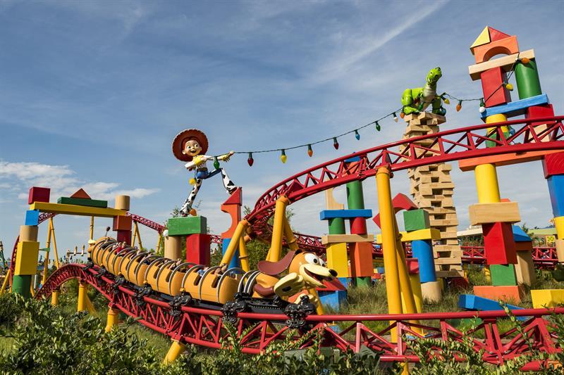 Disney inaugura parque temático de