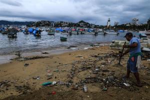 Tormenta Carlotta deja cuatro lesionados e inundaciones en el sur de México