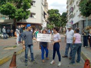 Vecinos de La Candelaria protestan tras pasar más de 24 horas sin servicio eléctrico #18Jun (fotos)