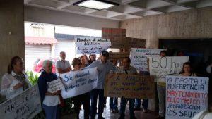 En Valencia protestaron en la sede de Corpoelec tras 50 horas sin luz