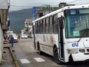 En Táchira denuncian traslado de votantes pro Petro en autobuses del IUT