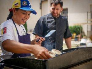La cocina de los refugiados venezolanos llega a restaurantes de 14 ciudades del mundo