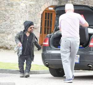 Tyrion Lannister salió enratonado de la boda de Jon Snow con Ygritte la salvaje (FOTOS)