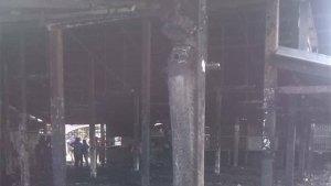 Corto circuito ocasionó incendio de 18 locales en Barcelona