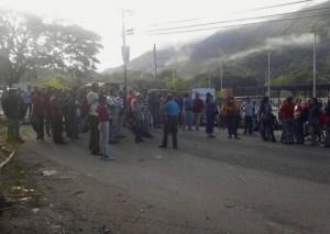Protesta en el terminal de pasajeros de San Casimiro #18Jun