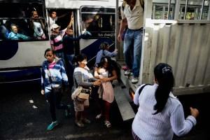 #EscombrosDeMaduro: Las perreras, la peligrosa respuesta al caos del transporte en Venezuela (fotos)