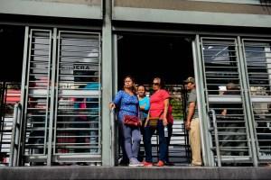 Venezolanos desconcertados con la eliminación de cinco ceros al bolívar