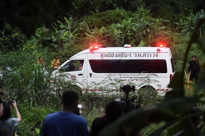 Al menos cinco niños rescatados de cueva de Tailandia