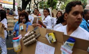 Harta de los bajos sueldos, esta enfermera se las cantó a Maduro (Video)