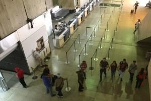 Sin despegar: Escasez de divisas y precios regulados ponen en vilo a vuelos domésticos en Venezuela
