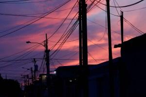 EN VIDEO: Como fuegos artificiales estallan los transformadores de subestación en Maracaibo
