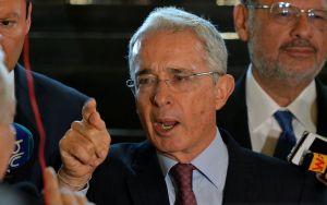 Álvaro Uribe dio positivo en prueba por coronavirus