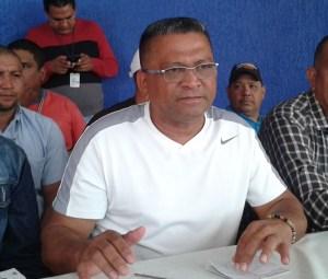 Henry Arias: Alerta a trabajadores a defender los puestos de trabajo