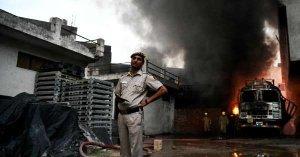 Cinco hombres mueren por linchamiento en India tras rumores en WhatsApp