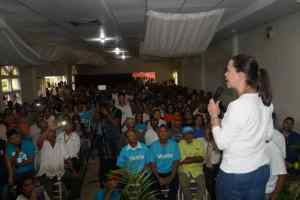 Machado desde Falcón: Sólo hay dos opciones, o estás con nosotros enfrentando al régimen o estás con ellos