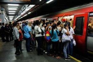 #EscombrosDeMaduro: Un 25% de los trenes del Metro de Caracas se encuentran fuera de servicio