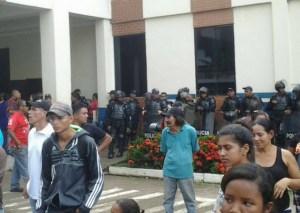 Protesta en Mercado Municipal de Maturín tras militarización #30Jul (fotos)