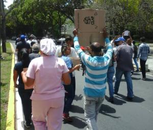Profesores y trabajadores del Hospital Universitario marcharon para exigir salarios dignos (Videos)