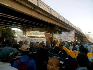 En Puerto La Cruz, los trabajadores de Vencemos, Corpoelec, Cantv y enfermeros se unieron para protestar #10Jul (fotos)