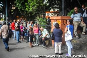Pensionados protestan en todo el país porque sólo pueden retirar 2 millones de bolívares en efectivo (Fotos)