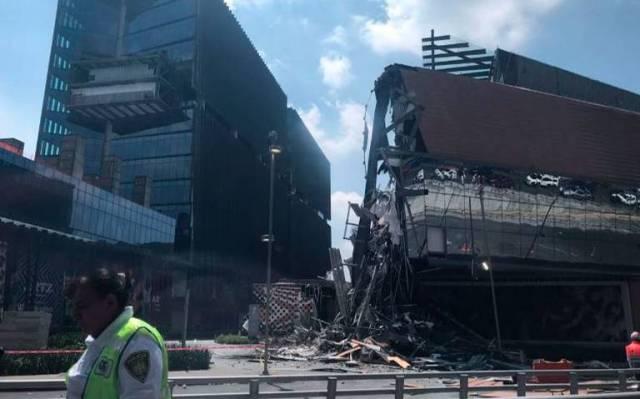 Resultado de imagen para Captan derrumbe en Artz Pedregal, centro comercial inaugurado hace 4 meses