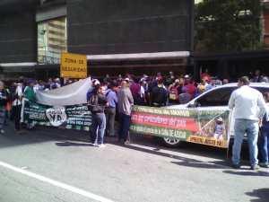 Por segundo día consecutivo cañicultores protestan frente al Ministerio de Agricultura en Caracas