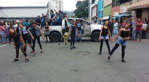 Fundación Danzas Dominio se adueñó de las calles en Los Teques