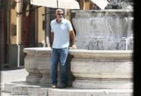 George Clooney vuelve a rodar tras accidente de moto (fotos)