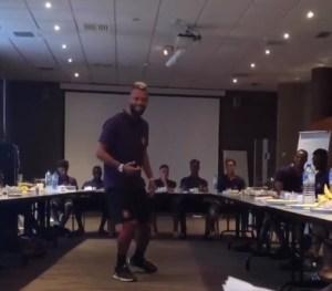 El jugador del Toulouse que sorprendió a sus compañeros imitando a Michael Jackson (Video)