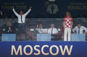 Macron se adueña de las celebraciones del Mundial con un show mediático