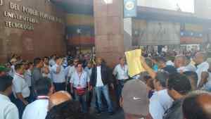 Trabajadores del Ivic y Cantv protestan frente de Ministerio de Educación Superior #19Jul (fotos y video)