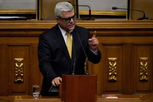 """""""Lo que veo es un acuerdo para el regreso de Falcón al Psuv"""", enfatizó Marquina"""