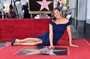 Jennifer Garner recibe estrella en Hollywood