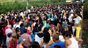 Récord de venezolanos llegados a Perú desde Ecuador, con 5.100 en solo un día