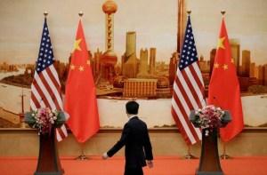 China convoca a embajador de EEUU por sanciones militares