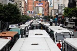 Transportistas de Puerto Ayacucho trancaron las vías por falta de gasolina