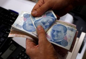 La lira turca sigue subiendo antes de la reunión entre ministro de Finanzas e inversores