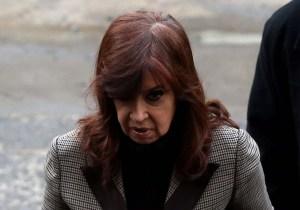 Procesan con prisión preventiva a expresidenta Kirchner en megacausa por sobornos