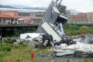 Las casas bajo viaducto derrumbado en Génova no volverán a ser habitables