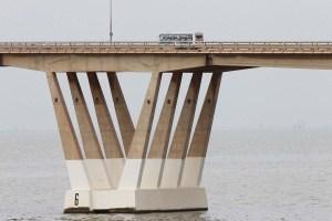 Incidente en puente gemelo de Génova empeora la crisis en Maracaibo