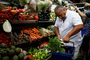 """Al menos 94,5 salarios mínimos requirieron marabinos para """"medio"""" alimentarse en julio (+Encuesta)"""