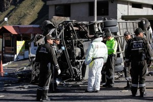 Venezolanos entre los 24 muertos en accidente de autobús en Ecuador #14Ago (FOTOS)