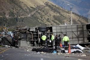Detienen a colombiano vinculado con autobús con droga accidentado en Ecuador