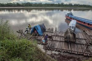 """Grupos indígenas de Perú denuncian que el proyecto de navegabilidad es """"un atentado"""""""