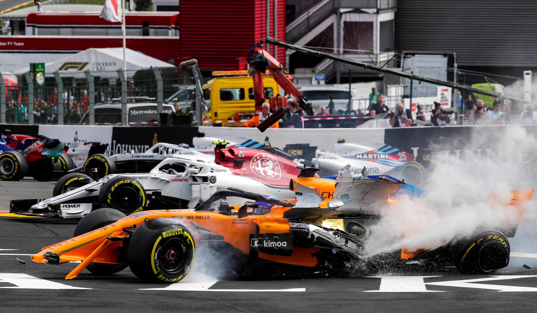 Circuito Fernando Alonso Accidente : Accidente del mclaren de fernando alonso durante las pruebas en el