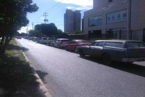 Las largas colas para surtir gasolina en Barquisimeto